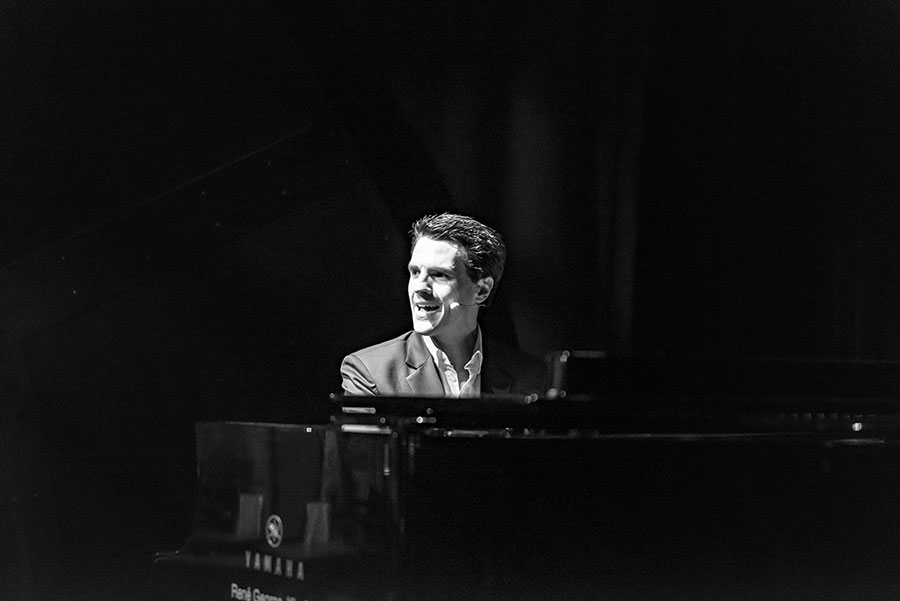 Musical-Theatre-Memory-Lane-Roland-Perold-PianoGrand